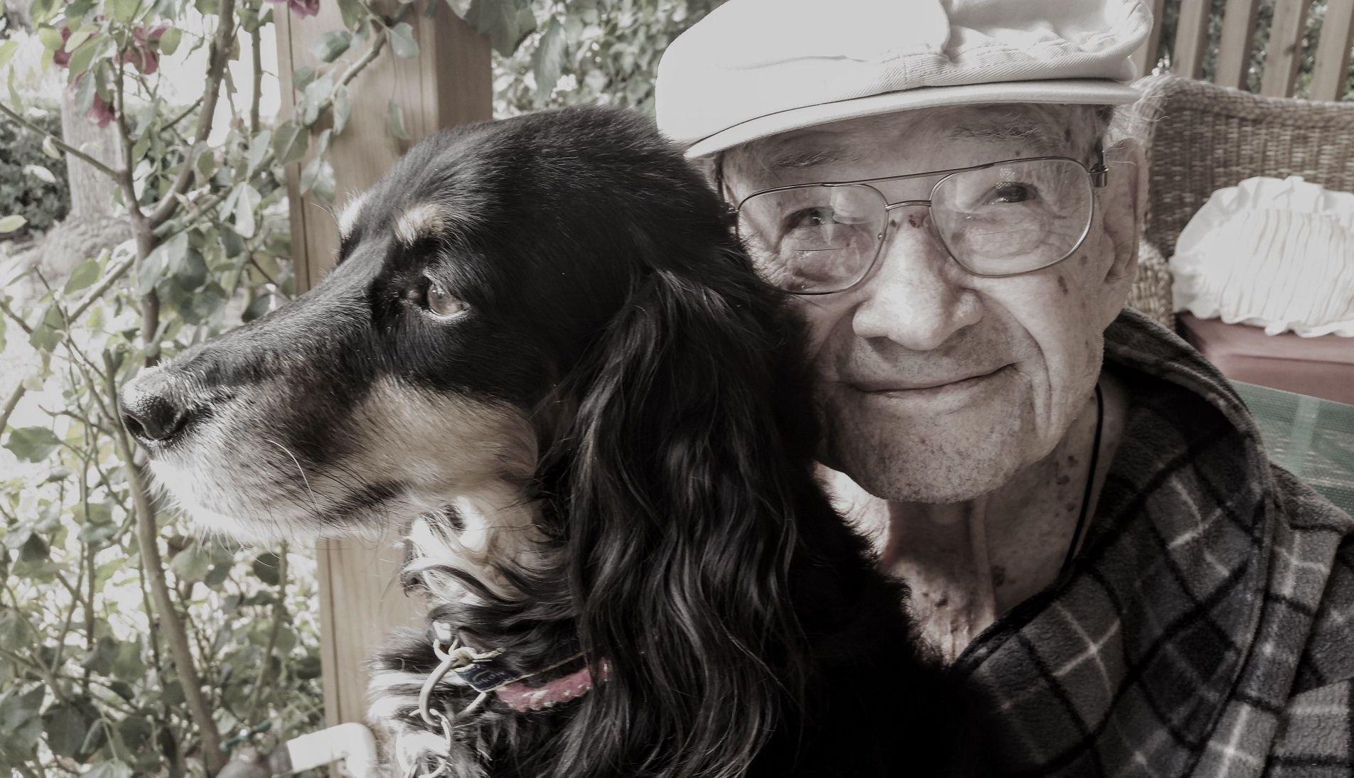 free-dog-walking-service-eldery-vulnerable-bournemouth-cinnamon-trust